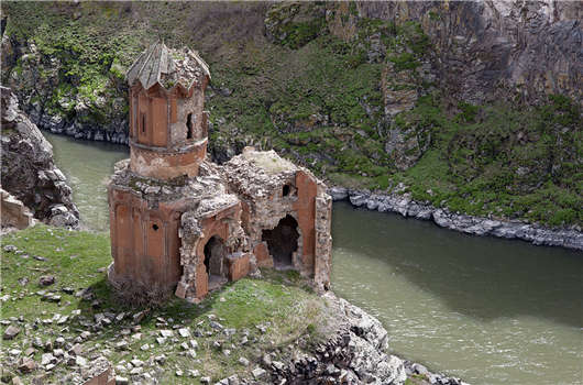 1024px-20110419_monastery_of_hripsimian_virgins_ani_turkey.jpg